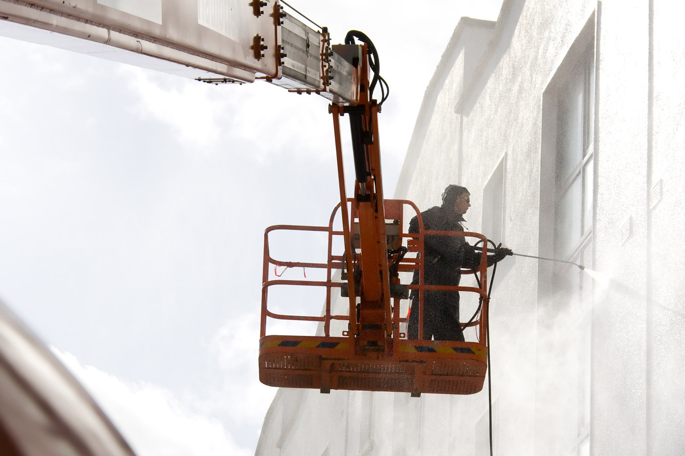 pressure-wash-grand-rapids-commercial-building-washing